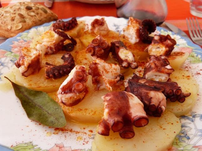Pulpo a la gallega (or Polbo á feira)