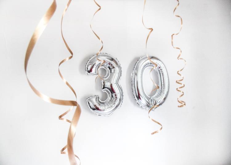 Silver 30 balloons
